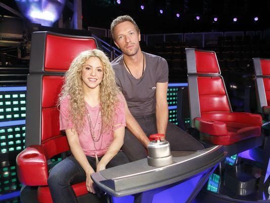 1395184339000-Shakira-Chris-Martin